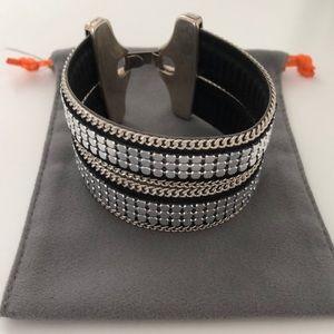 Jewelry - Cuff bracelet w silver clasp and leather